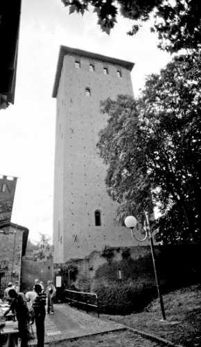 La Torre dei Bolognesi - Nonantola (2246 clic)