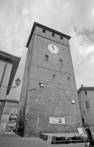 La Torre dell'Orologio o dei Modenesi - Nonantola (2761 clic)
