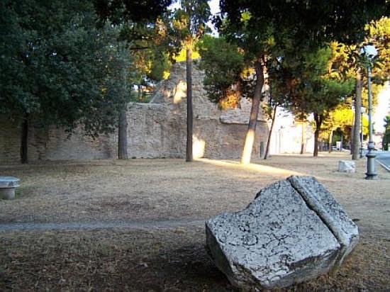 Mura Augustee - Fano (3435 clic)
