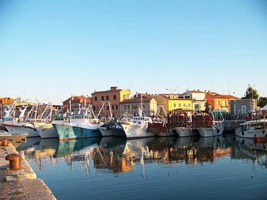 Darsena e borgo peschereccio - Fano (5248 clic)