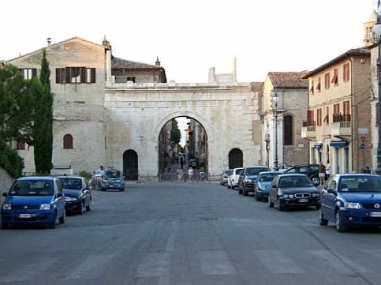 Arco d'Augusto - Fano (4404 clic)