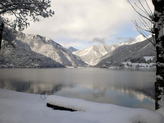 Manto di neve - Lago di ledro (2875 clic)
