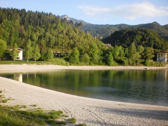 Spiaggia Besta - Lago di ledro (933 clic)