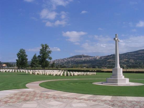 cimitero inglese di assisi, guerra e pace! (4159 clic)
