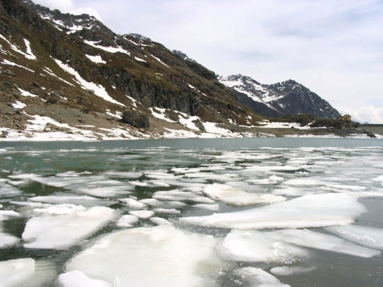 lago gabiet , disgelo - Gressoney (10516 clic)