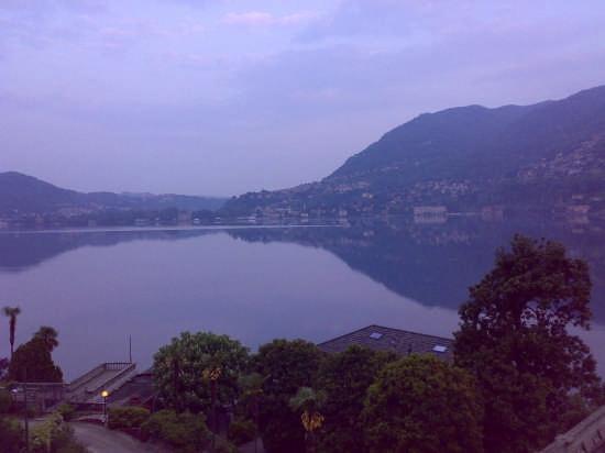 il lago visto al mattino da blevio (2352 clic)
