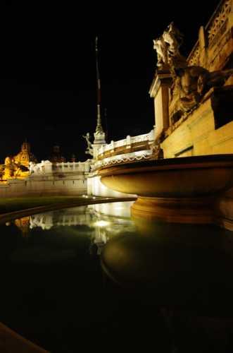 Notte - specchio - Roma (2059 clic)