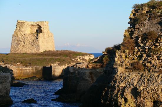 Il mare di Inverno oltre l'Adriatico... - Roca vecchia (868 clic)