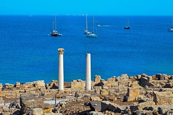 Oristanese,Tharros uno splendido paesaggio tra mare,natura e archeologia - Cabras (1178 clic)