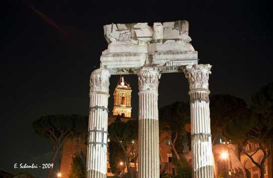 La Torre del Campidoglio viata dal Foro - ROMA - inserita il 06-Aug-09