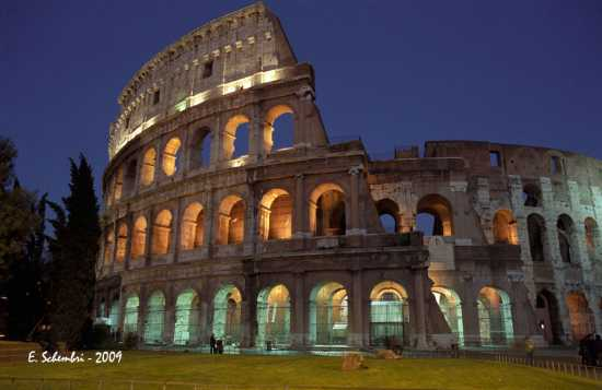 Colosseo in notturna - Roma (3633 clic)