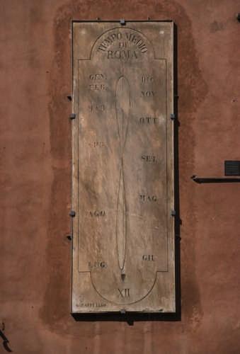 Meridiana del tipo ad analemma - Ravenna (2746 clic)