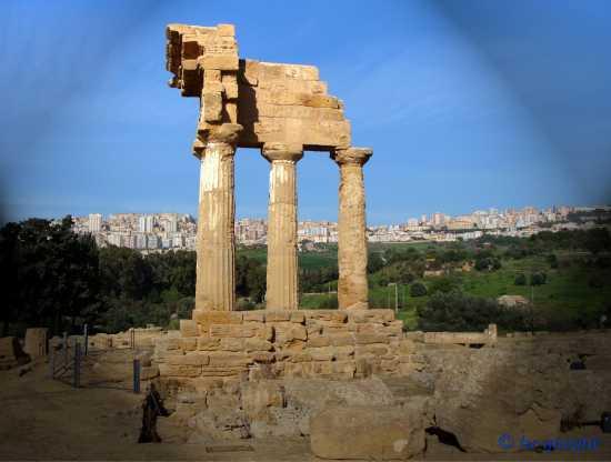 Agrigento-Tempio dei Dioscuri  (3974 clic)