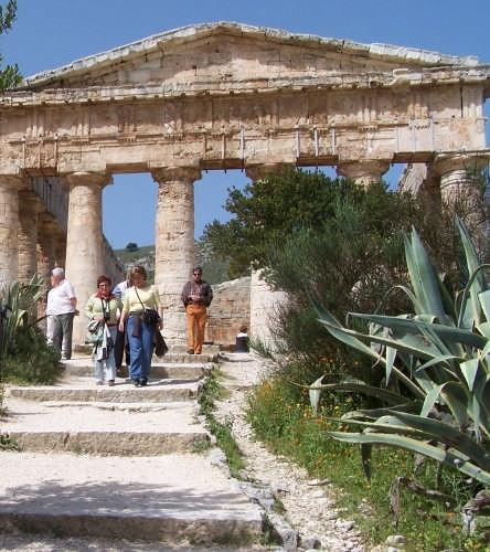 Segesta,il tempio dorico-430 a.c. (3010 clic)