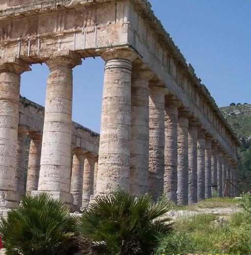 Segesta,il tempio dorico-430 a.c. (3536 clic)