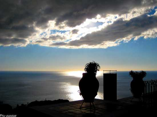 Taormina-tramonto dall'albergo Villa Diodoro (5253 clic)