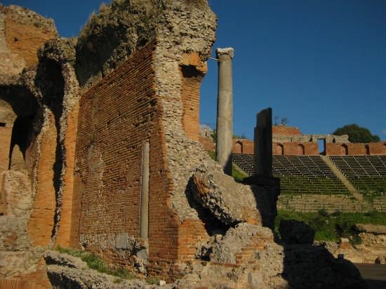 Taormina,teatro greco(III sec A.C) (3470 clic)