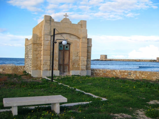 Trapani,la cappella vicino al Villino Nasi (4156 clic)