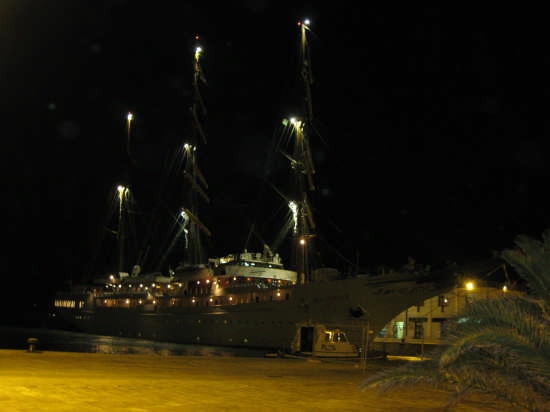 Trapani di notte,il porto (3122 clic)