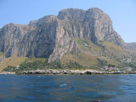 punta barcarello vista dal mare - Sferracavallo (5439 clic)