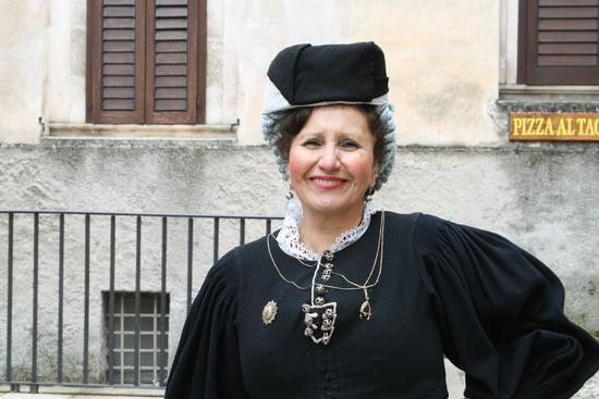 donna scannese - Scanno (1593 clic)