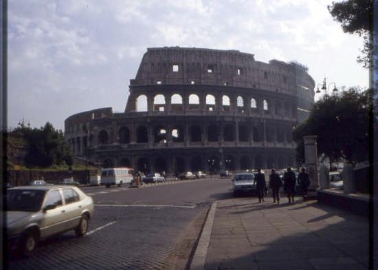 IL COLOSSEO E I NUOVI ROMANI (2174 clic)