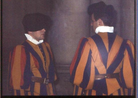 vaticano-cambio della guardia - Roma (2004 clic)
