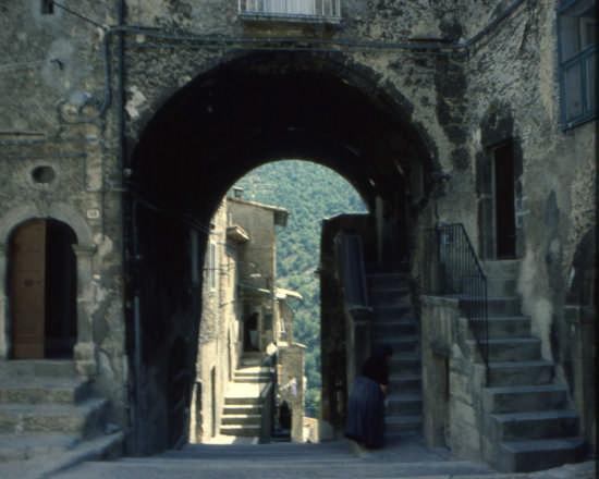 ARCO DELLA N OCELLA - Scanno (1509 clic)
