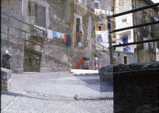 SCANNO-MOMENTI DI  VITA (1500 clic)