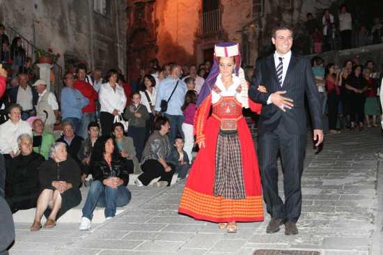 CATENACCIO 2009-ABITO ANTICO FESTIVO. - SCANNO - inserita il 24-Aug-09