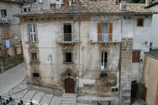 scanno-piazza codacchiola (2720 clic)