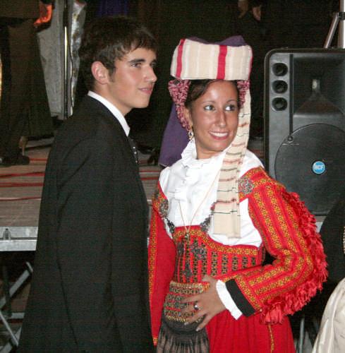 vestito festivo - Scanno (1426 clic)