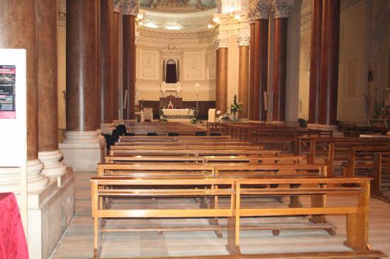il silenzio di una chiesa - Trinitapoli (1296 clic)