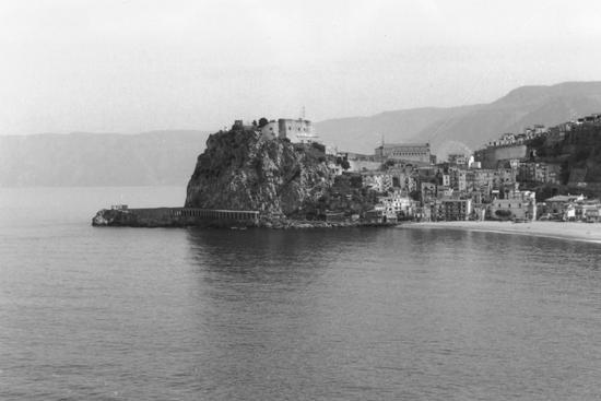 Scilla, vista dal belvedere, 14 02 2001 (3653 clic)