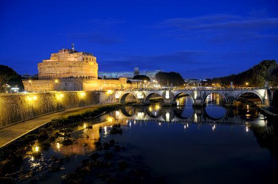 Magia sul Tevere - Roma (4393 clic)