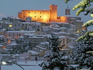 Borgo innevato - Casoli (4460 clic)