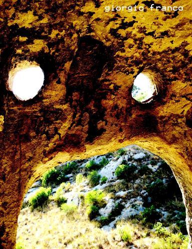 Grottesco 2 - Leonforte (2304 clic)
