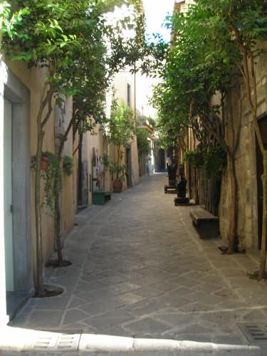Viuzza del centro storico di Orvieto (3953 clic)