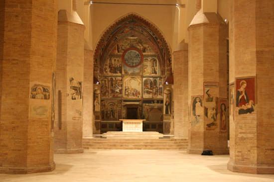 Cattedrale di Atri (1948 clic)
