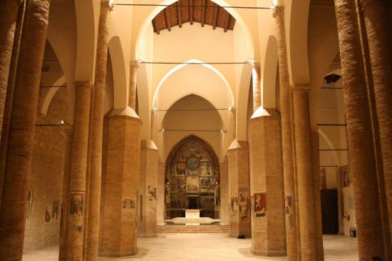 Cattedrale di Atri (1949 clic)