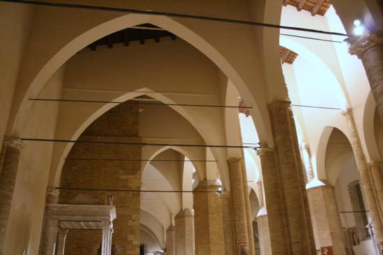 Cattedrale di Atri (2082 clic)