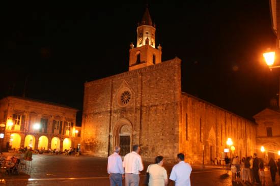 Cattedrale  - Atri (1464 clic)