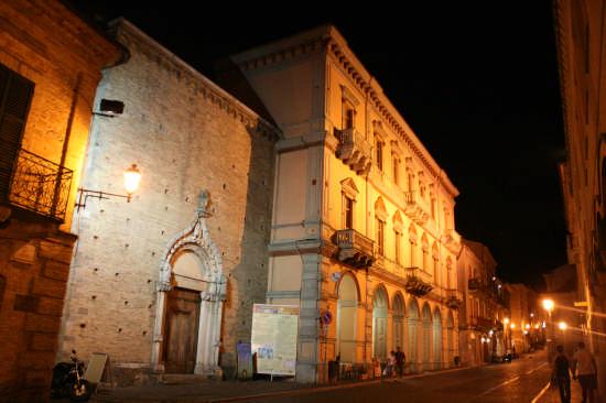 Corso  - Atri (3131 clic)