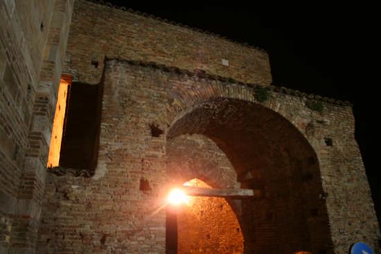 Atri Porta San Domenico (1449 clic)