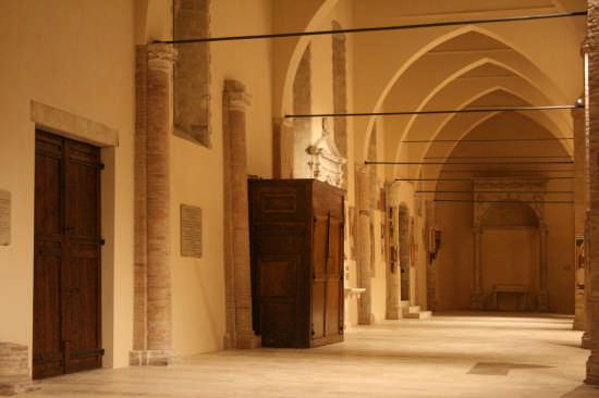 Cattedrale di Atri (1367 clic)