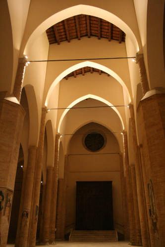 Cattedrale di Atri (1783 clic)