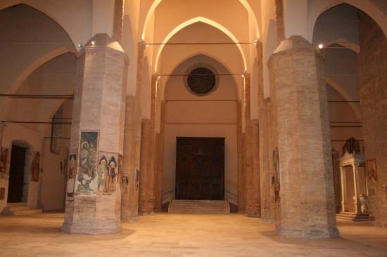 Cattedrale di Atri (2444 clic)