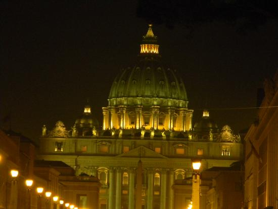 ....er Cupolone ....dettagli e luci...... - Città del vaticano (2688 clic)