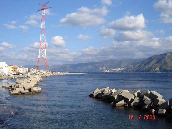 Stretto di Messina - Torre faro (4162 clic)