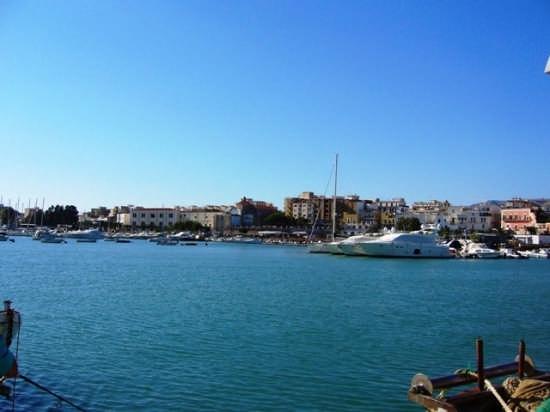 Panoramica dal porto - Manfredonia (3668 clic)